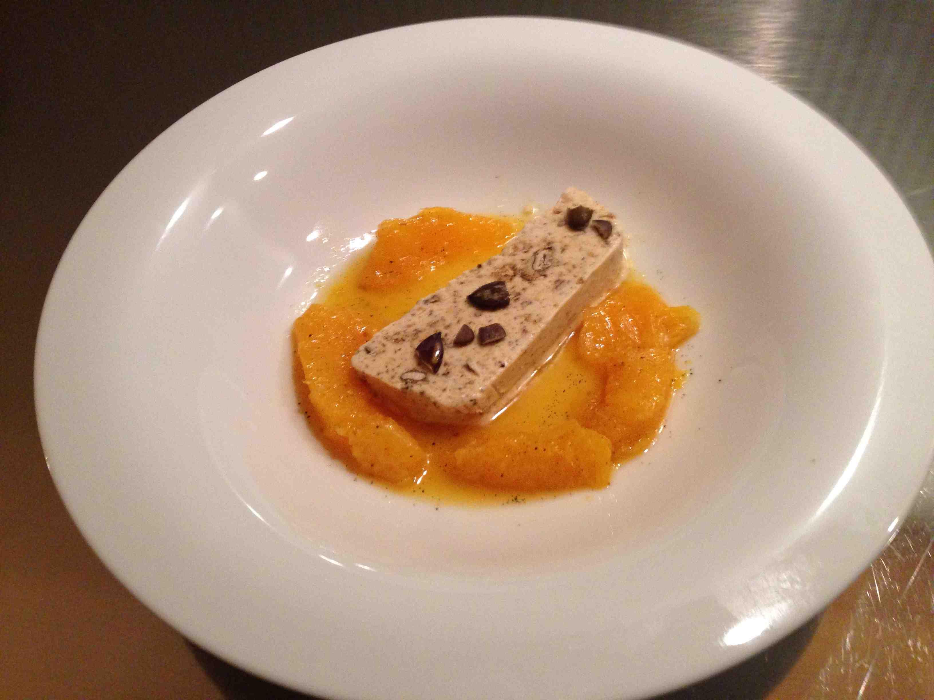 Kuerbiskernparfait mit Gewuerz-Orangen