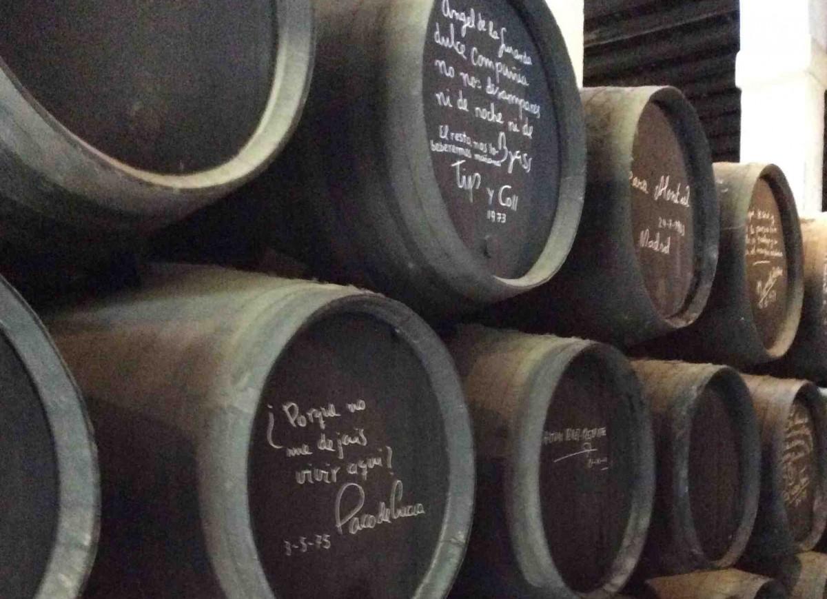 Signierte Sherry-Fässer