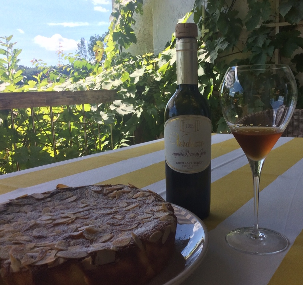 Zitronen-Ricotta-Mandel-Kuchen